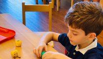 Cum să vă pregătiți copilul pentru prima zi de grădiniță
